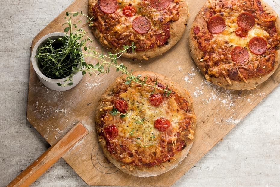 Pizza med speltmel