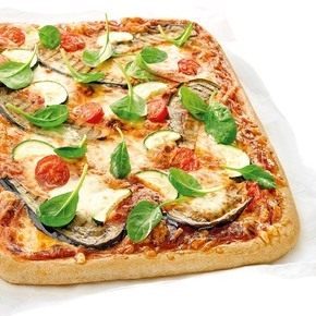 Pizza med grov bunn